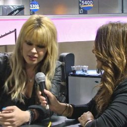 NAMM 2011 - Orianthi on Helix HD Strings